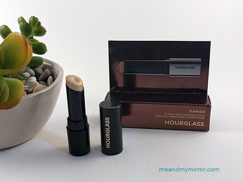 Hourglass Vanish Flash Highlighting Stick - Champagne Flash